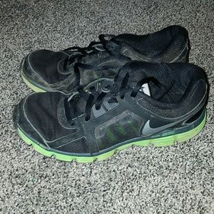 ec8d00b040750 Nike Shoes - Nike black and lime green tennis shoes 6 youth
